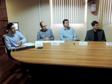 Os economistas Tomás Torezani (E), Guilherme Risco, Martinho Lazzari (Diretor técnico da FEE) e o estatístico Renan Xavier Cortes