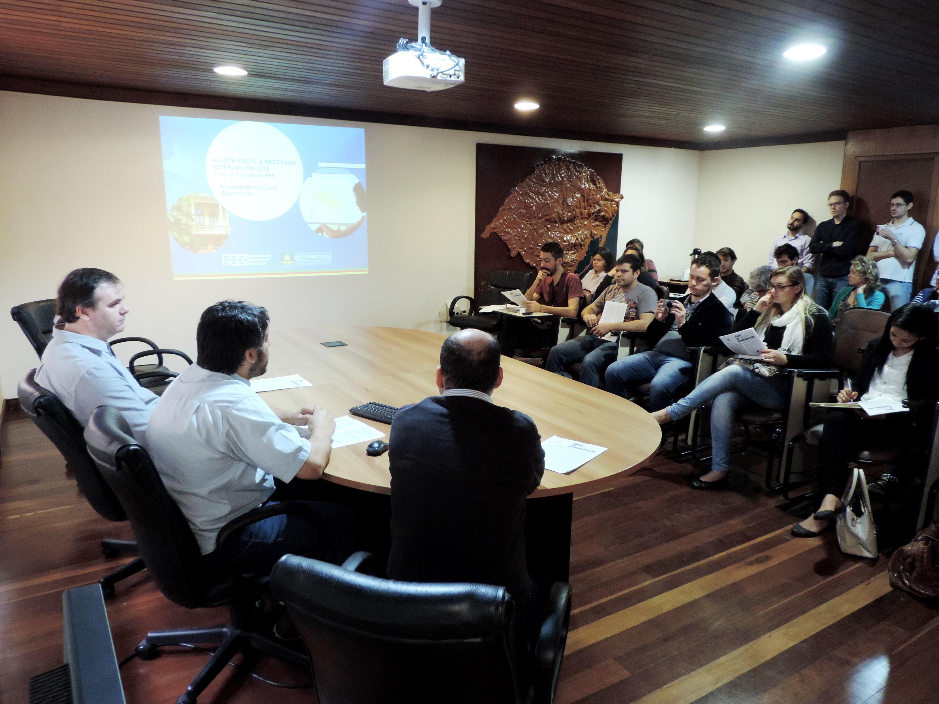 Coletiva para apresentação da Carta, com a presença de alunos da UCS