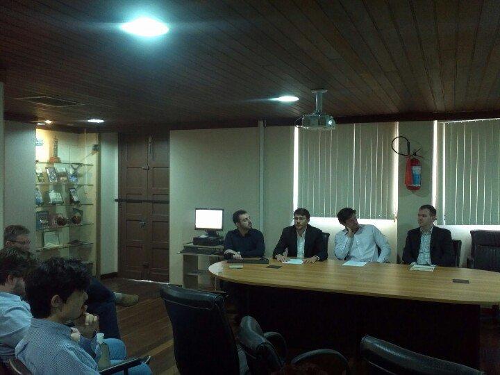 Luis Paese (esq), bolsista de iniciação científica da FEE, o economista Marcos Vinicio Wink Junior, o estatístico Renan Xavier Cortes e o Diretor Técnico da FEE, economista Martinho Lazzari.